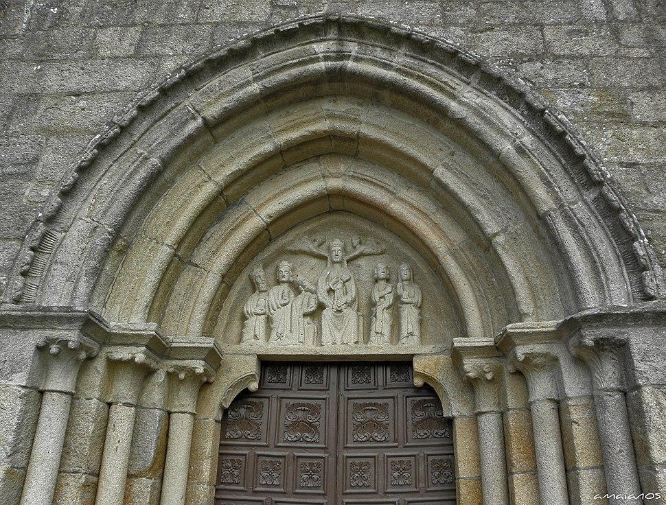 Tímpano da igrexa Santa María de Iria Flavia, Padrón