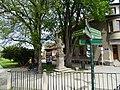 Třeboň, Dukelská, socha sv. Jana Nepomuckého u Tylovy ulice.jpg