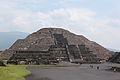 Teotihuacan Pirámide de la Luna.JPG