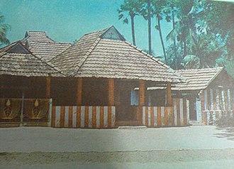 Thamaraikulam Pathi - East view of Thamaraikulam Pathi.