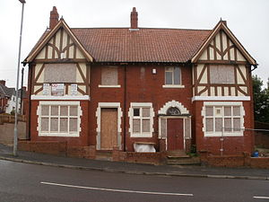 Carr Hill - The Old Brown Jug, named in reference to Warburton's pottery which once flourished behind it, stands derelict at Carr Hill Road today.