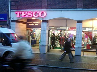 Tesco - Tesco in Tiverton, Devon showing the former logo
