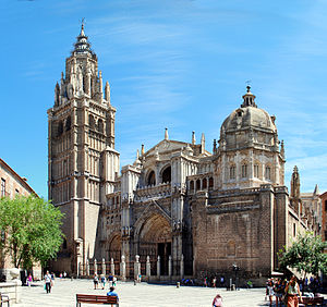Toledo Cathedral, from Plaza del Ayuntamiento.jpg