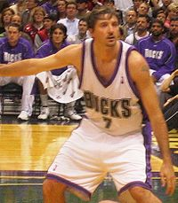 Toni Kukoč playing basketball for the Milwaukee Bucks