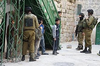 Israeli occupation of the West Bank - Children detained by Golani Brigade soldiers in Hebron