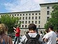 Tour guide in Berlin, 2007.jpg