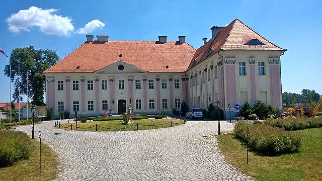 https://upload.wikimedia.org/wikipedia/commons/thumb/0/01/Trzebosz%2C_Poland_-_panoramio.jpg/640px-Trzebosz%2C_Poland_-_panoramio.jpg
