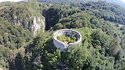 Turn de cetate (ruine).JPG
