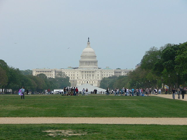 US Capitol by https://commons.wikimedia.org/wiki/User:Raulbot