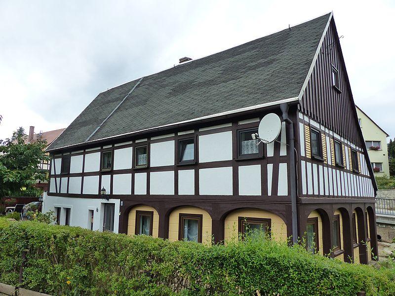 File:Umgebinde Wilhelm-Fröhlich-Weg 6 Bertsdorf (3).jpg