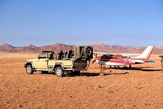 Bush flying - Preparations for take off in the Namib Desert (2018)
