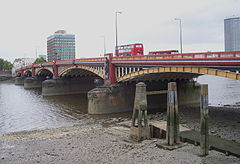 Vauxhall Bridge 2.JPG