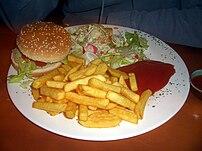 {{de|Veganer Burger mit Pommes vom Restaurant ...