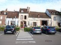 Villeneuve-sur-Yonne-FR-89-la Lucarne aux Chouettes-a1.jpg