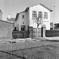 Voorgevel aan de Nobelstraat 11 (thans Huishoudschool) - Oud-Beijerland - 20178240 - RCE.jpg