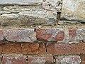 Vrbičany (okres Litoměřice), detail zdi s cihlami.JPG