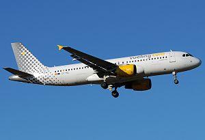 Vueling - Airbus A320-214.jpg