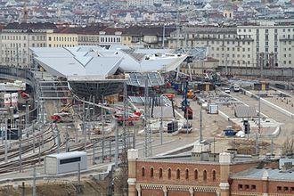 Wien Hauptbahnhof - Image: Wien Hauptbahnhof under construction Jan 2012