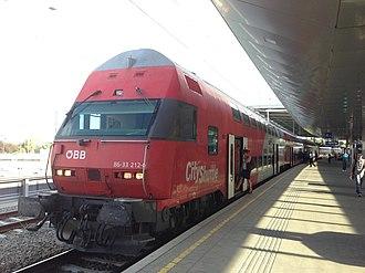 Vienna S-Bahn - Image: Wien IMG 7210 (9443635084)