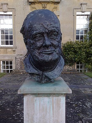 Ditchley - Churchill bust