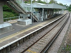 Woodmansterne railway station.jpg