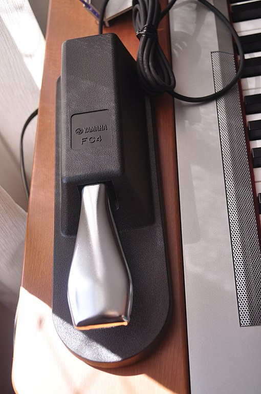 Yamaha FC4 Piano Style Sustain Pedal OLD MODEL