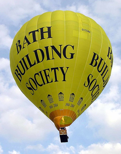 Yellow.balloon.takesoff.in.bath.arp.jpg