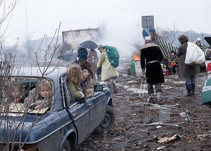 Zbigniew Libera - Wyjście ludzi z miast (2010).jpg