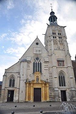 Église Sainte-Croix de Bernay.jpg