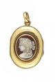 Öppningsbar medaljong från 1860 i guld och agat - Livrustkammaren - 97854.tif