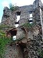Časť zrúcaniny hradu Paištún - panoramio.jpg