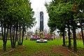 Братська могила 20 радянських воїнів і пам'ятник 87 воїнам – односельчанам, загиблим на фронтах ВВВ Михайлівка.JPG