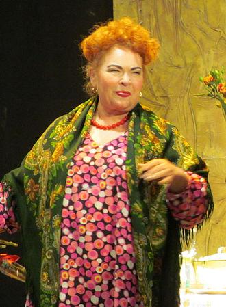 Nina Usatova - Nina Usatova in comedy roles on the stage of the Great Hall of Perm Philharmonic Society, February 23, 2015