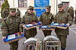 Президент України Петро Порошенко привітав молодих офіцерів з випуском 688 (16759523609).jpg