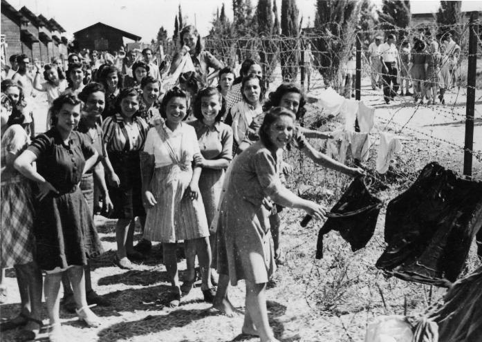 אוניית המעפילים חביבה רייק - מעפילות במחנה המעצר עתלית