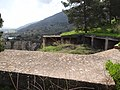גבעת העמדות ברכס נשר ההיסטורי - עמדה לתותחי נמ כבדים ממזרח לברכה על קצה המצוק (2).jpg