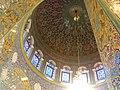 القبة من الداخل لمقام السيدة زينب في ريف دمشق 4.jpg