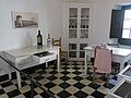 055 Castell de Púbol (Casa Museu Gala Dalí), repartidor.jpg
