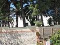 057 Can Malagrida (Premià de Dalt), tanca i façana de la cra. del Ramal.jpg