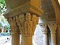 079 Monestir de Sant Benet de Bages, capitells del claustre, galeria nord.jpg
