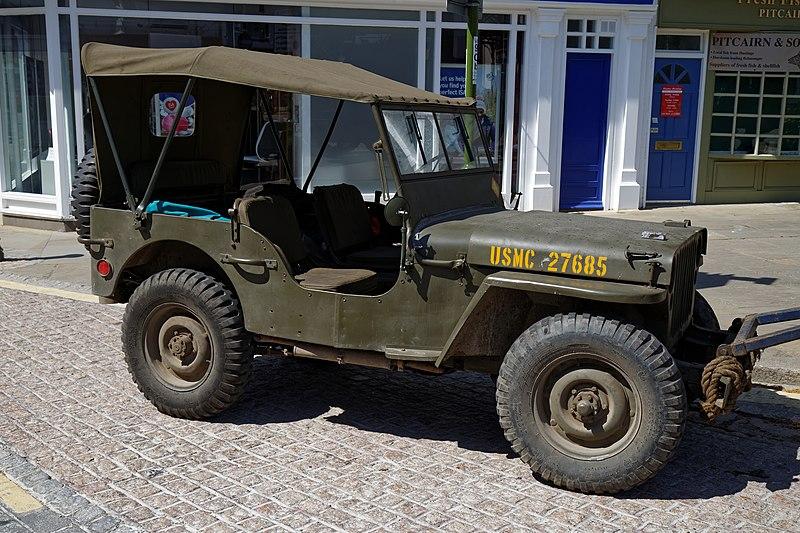 File:08.05.2016 Jeep at Horsham West Sussex England.jpg