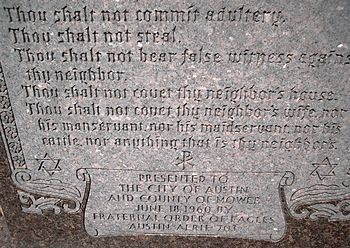 English: Ten Commandments monument at the Mowe...