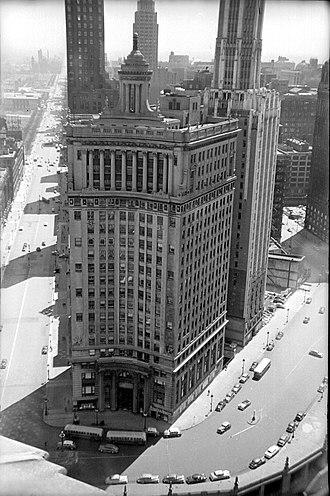 London Guarantee Building - Image: 1950+A003020 (3552768274)