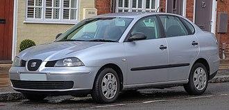 SEAT Córdoba - Image: 2003 SEAT Cordoba S 1.4 Front (1)