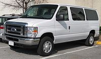 2008 Ford E-Series wagon.jpg
