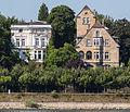 2013-08-05 Villa Ingenohl (li.) und Raiffeisenstraße 3 (re.), Bonn, Rheinseite IMG 0509.jpg