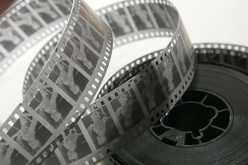 Archivo:35mm movie negative.jpg