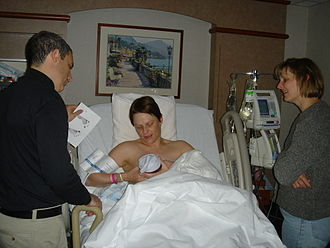 Kangaroo care - Infant nursing shortly after birth