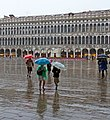 A wet day in Venice 7 (14510390336).jpg