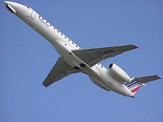 Climb (aeronautics) - An Embraer ERJ 145 climbing